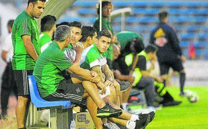 Felipe Guti�rrez y Tonny Sanabria todav�a no se han estrenado con la camiseta del Betis.