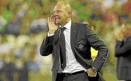 Pepe Mel, durante su etapa en el Real Betis.