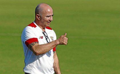 Jorge Sampaoli, durante un entrenamiento con el Sevilla.