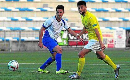 Suanes (izquierda) durante un lance del Alcalá-Conil de la pasada temporada.