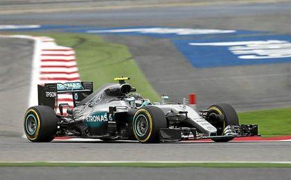 Mejor tiempo para el alemán seguido de Hamilton y Vettel.