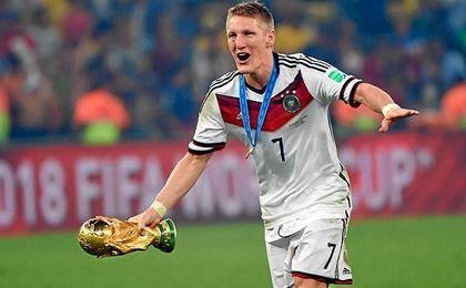 Bastian Schweinsteiger, campeón del mundo en 2014, deja el combinado alemán tras el ´fiasco´ de Francia.