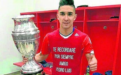 El chileno Felipe Gutiérrez fue campeón de la Copa de América de 2015 y también disputó el Mundial de Brasil.