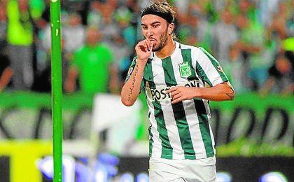 Sebasti�n P�rez, ahora con la selecci�n colombiana en R�o 2016, celebra un gol con Atl�tico Nacional.