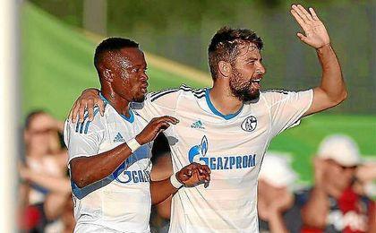 Coke, durante el primer amistoso con el Schalke donde se lesionó.