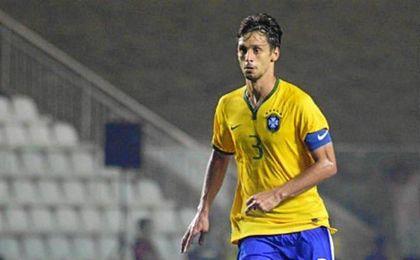 Rodrigo Caio está jugando con Brasil en Río 2016.