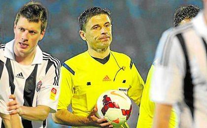 El árbitro serbio Mazic dirigirá hoy el Real Madrid-Sevilla.