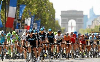 La Vuelta volverá a pasar por suelo francés.