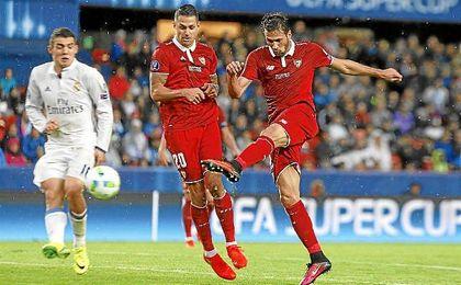 Vitolo, en el momento del gol de Franco Vázquez.