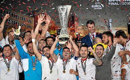 El Sevilla entra en el top ten de la UEFA