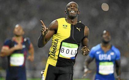 Bolt agranda su leyenda con su tercer oro en los 100 metros