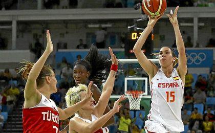 Una canasta de Anna Cruz sobre la bocina mete a España en semifinales