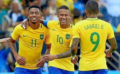 Neymar dirigió la victoria de Brasil ante Honduras.