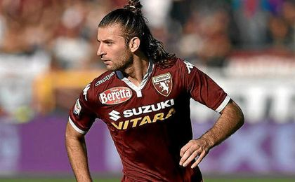 Gast�n Silva vistiendo la camiseta del Torino.