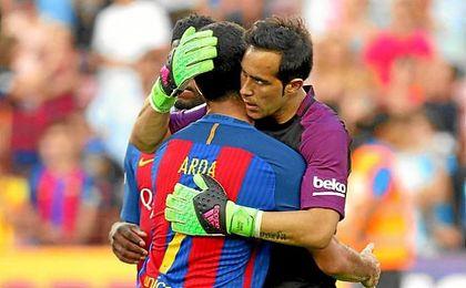 Bravo jugó ayer su último partido con el Barcelona.