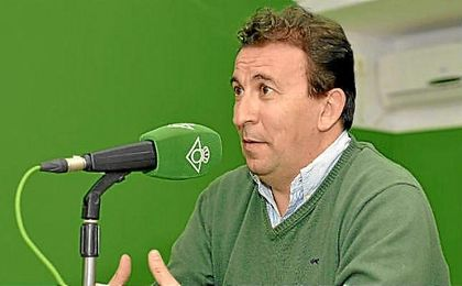 López Catalán, en los micrófonos de Radio Betis.