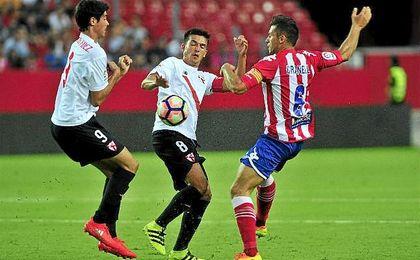 Borja Lasso, Carlos Fernández y Cotán marcaron los goles sevillistas.