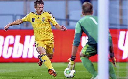 Konoplyanka, en un partido con la selección de su país.