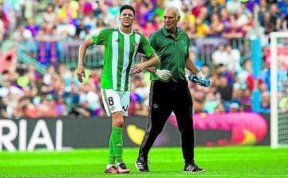 Jonas Martin cayó lesionado ante el Barcelona.