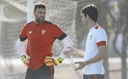 Sirigu solo podría optar el ´25´ de Mariano si no sale cedido Soria.