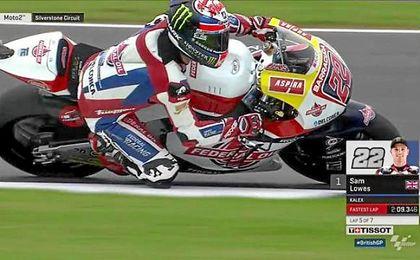 Sam Lowes (Kalex) ejerció de anfitrión en cada una de las dos tandas de entrenamientos de Moto2.