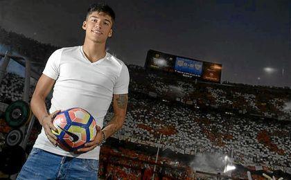 Joaquín Correa espera ser una figura importante para el sevillismo con su juego de toque, calidad y desborde.