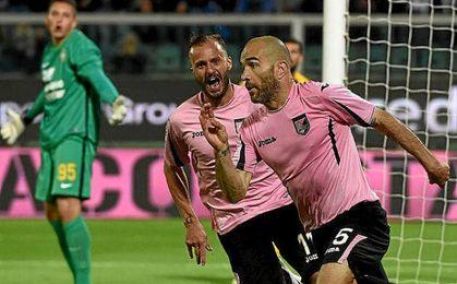 Maresca celebra un tanto con el Palermo.