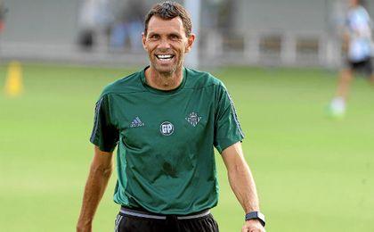 Poyet espera una mejoría en Valencia.