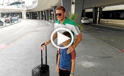 Joaquín, muy aclamado a su llegada a Valencia