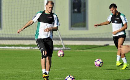 Roman Zozulya se entrena junto a Dani Ceballos.