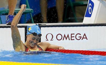 Mireia Belmonte celebra el oro en Río.