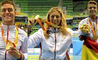 Ba�o de medallas para el equipo espa�ol de nataci�n