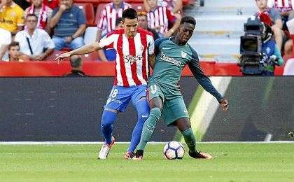 Iñaki Williams en el Sporting-Athletic donde se sucedieron los cánticos racistas.