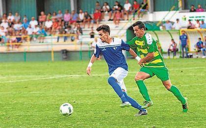 Juan Alberto Sánchez Salas (Coria del Río, 1994) cumple su primer año en San Pablo tras haber subido con el Antoniano a Tercera división.