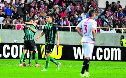 Salva Sevilla, autor del último gol bético en un derbi.