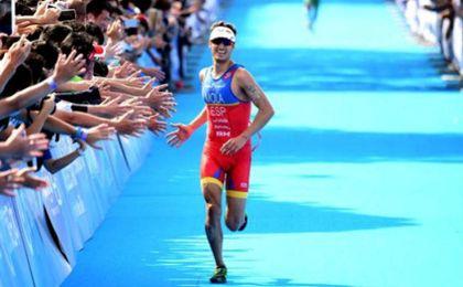 Mario Mola, campeón del mundo de triatlón en Cozumel, México.
