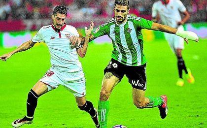 Sergio Escudero le gan� la partida a Piccini, al que en la primera parte del derbi le rob� un esf�rico que pudo acabar en gol.