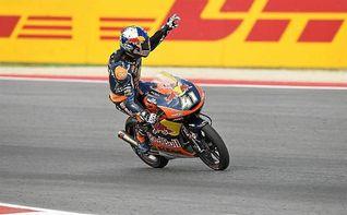 Navarro vuelve a la senda de la victoria y Binder se proclama campe�n de Moto3