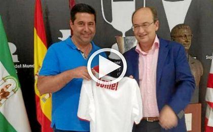 El presidente de Boca, Daniel Angelici, estuvo este mes en el S�nchez Pizju�n.