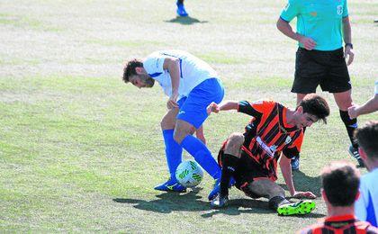 Lance del Alcalá-Lebrijana disputado el pasado domingo, que finalizó con empate a uno.