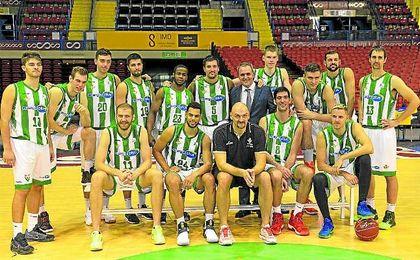 El Real Betis Baloncesto se hizo ayer la tradicional foto de grupo de inicio de curso.