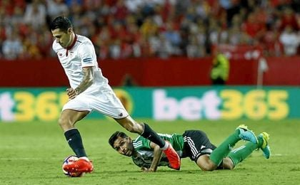 Sevilla y Betis llegan al par�n liguero en posiciones muy diferentes.