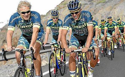 Oleg Tinkov, junto a Alberto Contador.