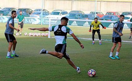 Imagen del entrenamiento de hoy en la Ciudad Deportiva Luis del Sol.
