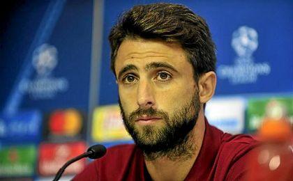 El zaguero argentino Nico Pareja, durante una rueda de prensa de la Champions League.