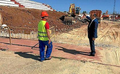 José Castro visitó las obras de la ciudad deportiva.