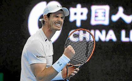 Murray cierra el puño para celebrar un punto ante Ferrer.