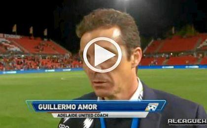 Guillermo Amor demostró ante los micrófonos que su nivel de inglés no es aún muy fluido
