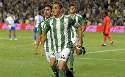 Joaquín celebra su gol contra el Málaga.