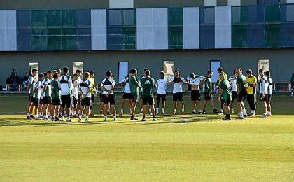 Imagen del último entrenamiento del conjunto verdiblanco antes de enfrentarse al Madrid.